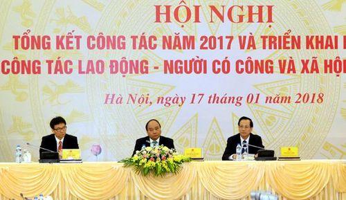 Thủ tướng Nguyễn Xuân Phúc: Cần tính lại tuổi nghỉ hưu cho hợp lý - Ảnh 1