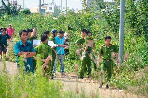 Điều tra vụ 2 thanh niên đi xe máy bị chém thương vong ở Sài Gòn - Ảnh 1