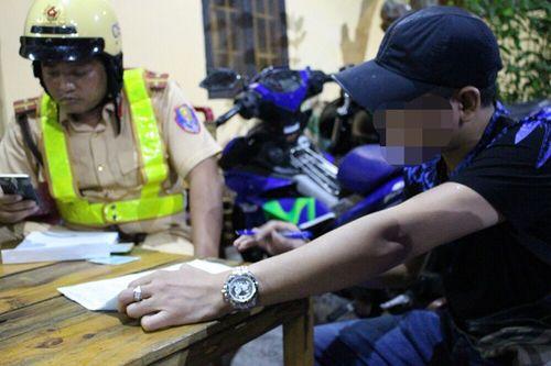 Xử phạt nhiều người quá khích trong đêm chiến thắng của U23 Việt Nam - Ảnh 1