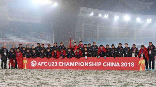Clip: Giây phút U23 Việt Nam nhận huy chương bạc sau những nỗ lực phi thường - Ảnh 1