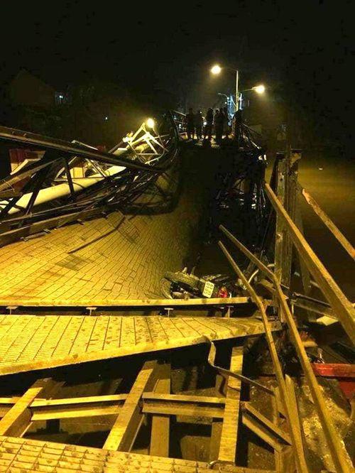 Sự cố sập cầu Long Kiểng: Dự kiến thông xe trước 1/2 - Ảnh 1