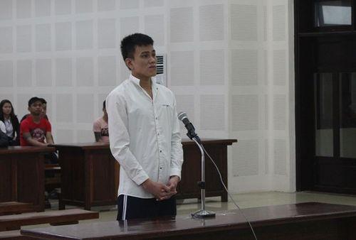 Gã trai tạt xăng đốt bạn gái trong cơn cuồng ghen lãnh 7 năm tù - Ảnh 1