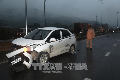 Phó thủ tướng yêu cầu làm rõ nguyên nhân vụ ôtô tông chết 5 công nhân ở Hà Giang - Ảnh 1