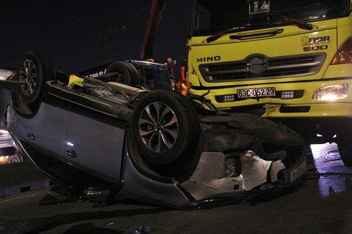 Tin tai nạn giao thông mới nhất ngày 12/10/2018: Lùi xe ô tô tự chế xuống suối, tài xế 17 tuổi tử vong - Ảnh 3