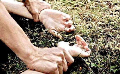 Xét xử vụ trai làng hiếp dâm người phụ nữ ngoại quốc giữa đồng vắng - Ảnh 1