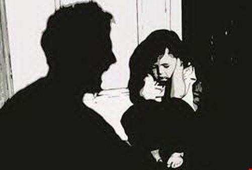 """Tạm giữ """"yêu râu xanh"""" hãm hại bé gái ngày mùng 2 Tết - Ảnh 1"""