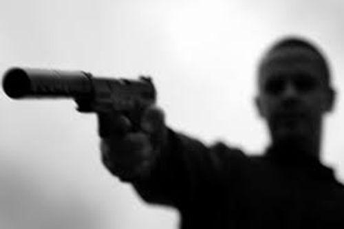 Tạm giữ nghi phạm rút súng bắn người ở chợ hoa Xuân - Ảnh 1