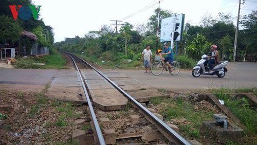 Vụ 2 tàu hỏa suýt tông nhau: Tổng Công ty Đường sắt VN lên tiếng - Ảnh 1