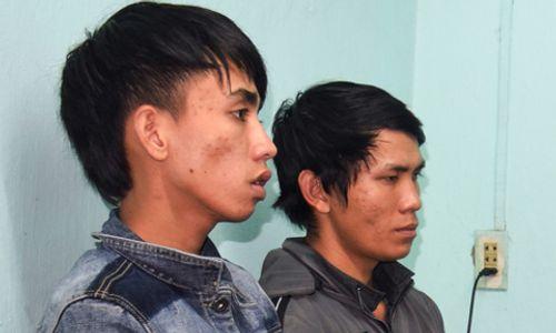 2 thanh niên cướp túi xách chứa hàng chục triệu đồng trên đường phố - Ảnh 1