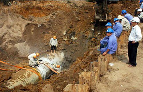 Tuy án 9 bị cáo vụ 18 lần vỡ đường ống nước sông Đà: Cao nhất 2 năm tù - Ảnh 2