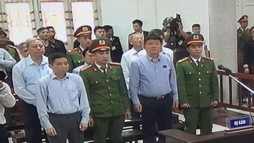 Hình ảnh mới nhất của ông Đinh La Thăng trong lần thứ 2 hầu tòa - Ảnh 1