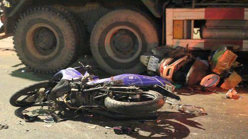"""Nhân chứng vụ xe ben tông hàng loạt xe máy: """"Cảnh tượng lúc đó thật kinh khủng"""" - Ảnh 1"""