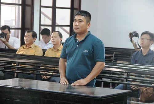 Tài xế tông chết phóng viên ở Nha Trang lĩnh 9 tháng tù giam - Ảnh 1