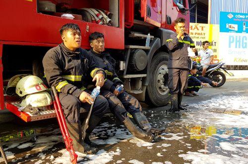 """""""Người hùng"""" cứu hơn 20 nạn nhân vụ cháy chung cư: """"Tôi sẽ không bao giờ quên được trận chiến hôm nay"""" - Ảnh 2"""