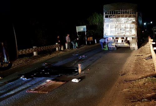 Tai nạn giao thông, nam thanh niên chết thảm dưới bánh xe tải - Ảnh 1
