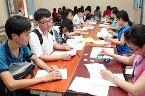 Hôm nay (1/4), thí sinh đăng ký dự thi THPT quốc gia 2018 - Ảnh 1
