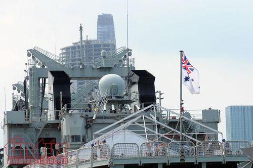 Cận cảnh 3 tàu Hải quân Hoàng gia Australia vừa cập cảng Sài Gòn - Ảnh 3