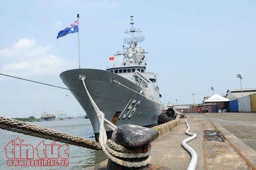 Cận cảnh 3 tàu Hải quân Hoàng gia Australia vừa cập cảng Sài Gòn - Ảnh 1