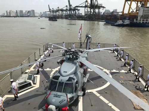 Cận cảnh 3 tàu Hải quân Hoàng gia Australia vừa cập cảng Sài Gòn - Ảnh 2