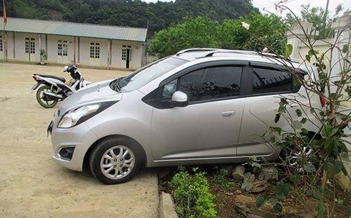 Thông tin bất ngờ vụ cô giáo lùi ôtô ở sân trường khiến 2 học sinh thương vong - Ảnh 1