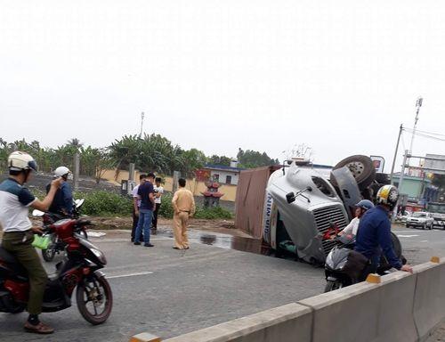 Tin tức tai nạn giao thông mới nhất ngày 24/4/2018 - Ảnh 2