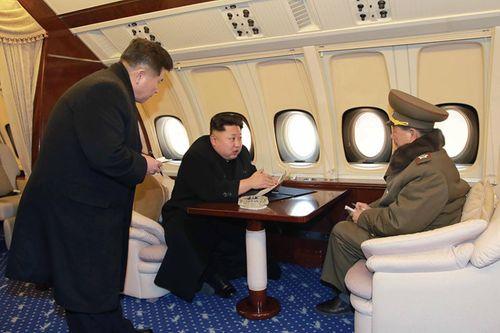 Máy bay tháp tùng ông Kim Jong-un đến Singapore có thể tiếp dầu tại Việt Nam - Ảnh 1