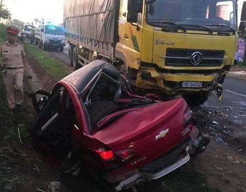 Tin tai nạn giao thông mới nhất ngày 17/5/2018 - Ảnh 1