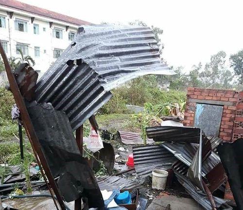 Mưa đá kéo dài 10 phút ở Đồng Nai, nhiều nhà cửa bị hư hỏng - Ảnh 2