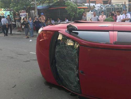 Thiếu niên 17 tuổi lái ôtô tông hàng loạt xe ở Sài Gòn - Ảnh 1