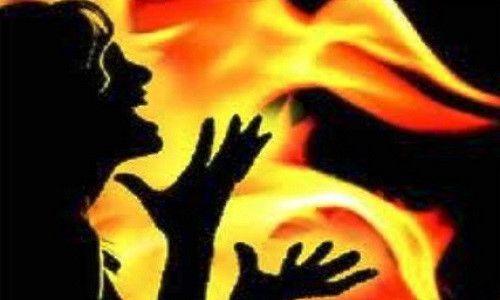 Đổ xăng đốt bạn gái, nam thanh niên lãnh 4 năm 6 tháng tù - Ảnh 1