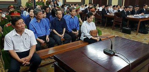 Xét xử đại án 6.000 tỉ đồng tại TrustBank: Bà Hứa Thị Phấn vắng mặt - Ảnh 1