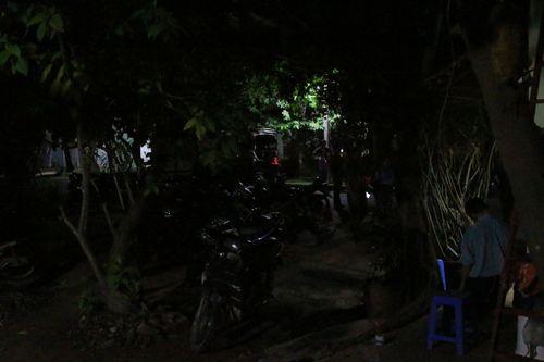 Điều tra nguyên nhân nam bảo vệ tử vong trong tư thế treo cổ trên cây - Ảnh 1