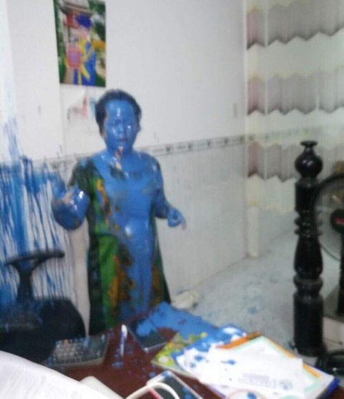Điều tra vụ nữ giám đốc bị kẻ lạ tạt sơn kín người - Ảnh 1