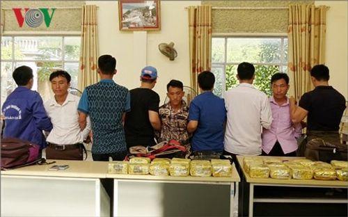 Cảnh sát mai phục, bắt nhóm vận chuyển thuê 25 kg ma túy lấy hơn 200 triệu - Ảnh 1