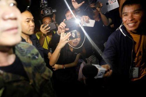 Những hình ảnh cảm động của đội bóng Thái Lan sống sót thần kỳ sau 9 ngày mắc kẹt - Ảnh 5