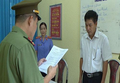 Tin tức thời sự 24h mới nhất ngày 1/8/2018: Phó giám đốc Sở Giáo dục Sơn La bị khởi tố - Ảnh 1