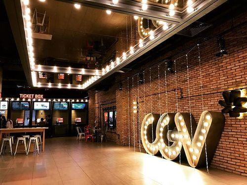 """Tung ảnh """"nóng"""" của khách trong rạp, nhân viên CGV có thể bị xử lý hình sự - Ảnh 1"""