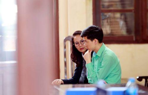 """Nữ luật sư đứng 5 tiếng bào chữa cho BS Lương nói về thông tin bị """"tước quyền bào chữa"""" - Ảnh 1"""