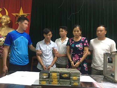 """Bắt """"trùm"""" ma túy ở Lóng Luông, thu giữ 50 bánh heroin - Ảnh 1"""