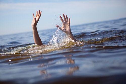 Rủ nhau tắm sông, 4 học sinh tiểu học chết đuối thương tâm - Ảnh 1