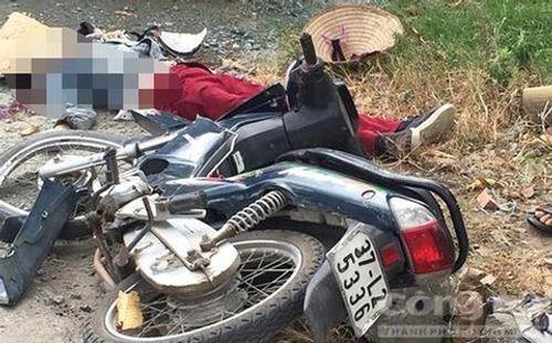 Tin tai nạn giao thông mới nhất ngày 15/8/2018: Cây cổ thụ bật gốc đè bẹp xế hộp giữa phố - Ảnh 2