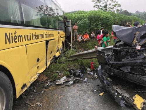 Tin tai nạn giao thông mới nhất ngày 16/8/2018: Cha mẹ gào khóc bên thi thể cô gái trẻ - Ảnh 2