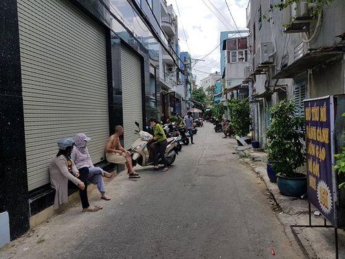 Trọng án Sài Gòn: Trinh sát lao vào khống chế, ngăn cản nghi phạm uống thuốc độc tự tử - Ảnh 2