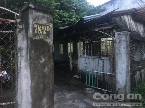 Trọng án Sài Gòn: Trinh sát lao vào khống chế, ngăn cản nghi phạm uống thuốc độc tự tử - Ảnh 1