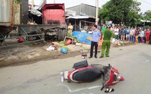 Khởi tố tài xế container gây tai nạn khiến bé gái 5 tuổi đang chơi trong nhà thiệt mạng - Ảnh 1