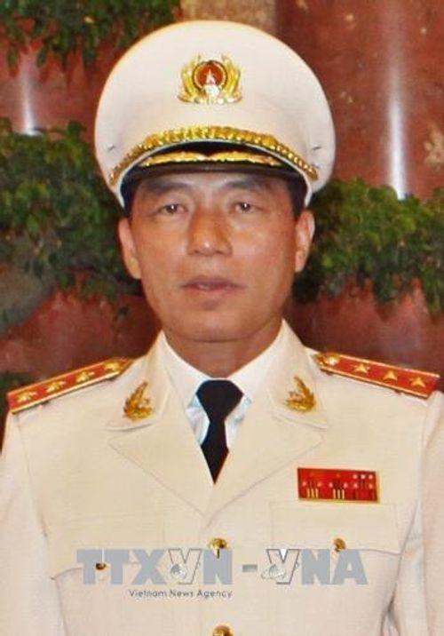 Cách chức Thứ trưởng Bộ Công an đối với ông Bùi Văn Thành - Ảnh 2