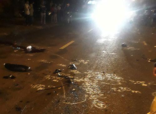 Tin tai nạn giao thông mới nhất ngày 10/8/2018: Tai nạn liên hoàn, hai thanh niên tử vong - Ảnh 1