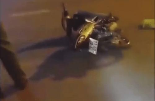 Tin tai nạn giao thông mới nhất ngày 10/8/2018: Tai nạn liên hoàn, hai thanh niên tử vong - Ảnh 2