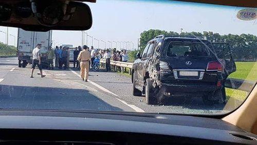 Tài xế Lexus biển 8888 bị tông chết khi dừng xe theo hiệu lệnh CSGT: Lỗi thuộc về ai? - Ảnh 1