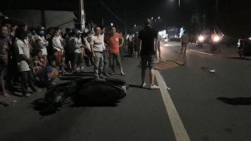Tin tai nạn giao thông mới nhất ngày 14/1/2019: Ôtô chở hiệu trưởng bị xe container tông gần cổng trường - Ảnh 2
